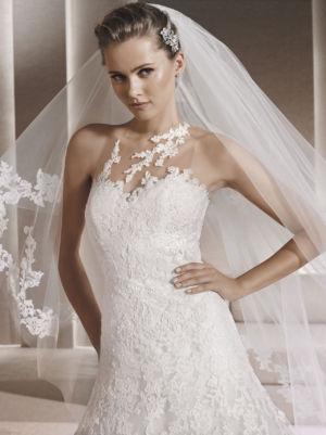Poročna obleka Rienda